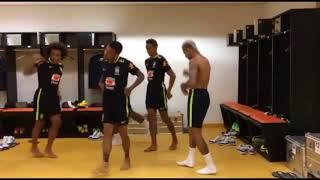 Música Oficial da Copa do Mundo 2018 (Neymar dançando no vestiário)