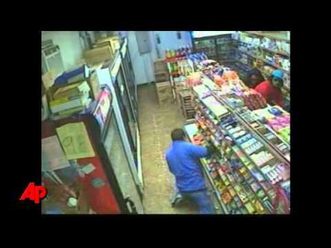 Clip đấu súng trong cửa hàng - Bôn Ba Hội