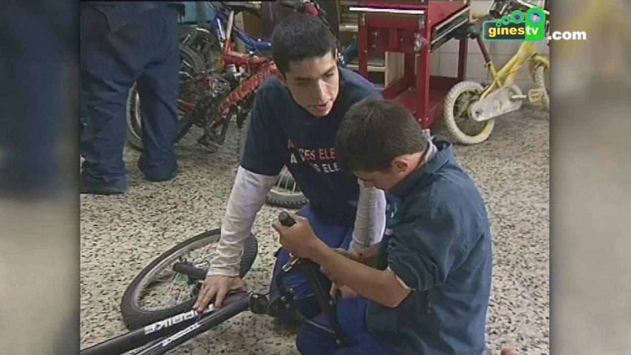 Talleres infantiles gratuitos sobre artes plásticas y mecánica en el Proyecto Ribete