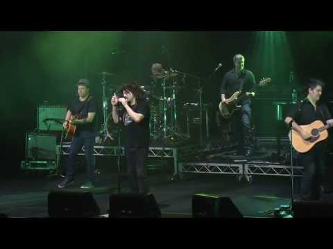 Counting Crows: Big Yellow Taxi - Live At The House