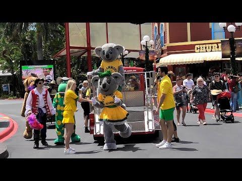 Kennys Aussie Celebration Parade Dreamworld Gold Coast