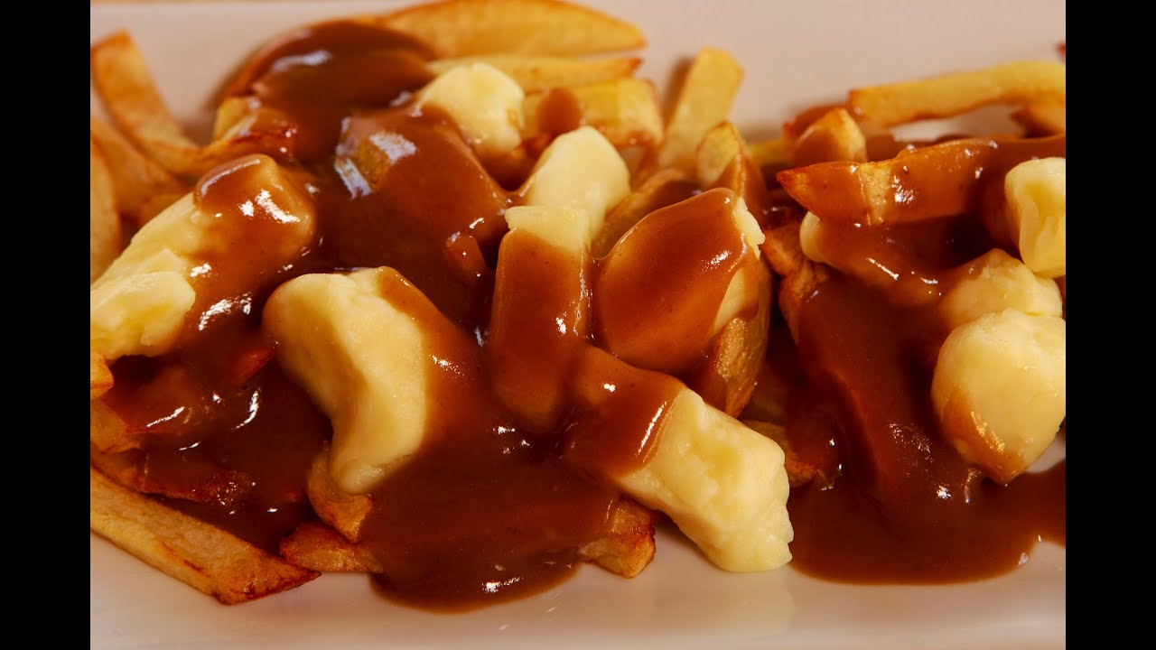 Poutine (Cheese Curds, French Fries and Gravy) - Sous Chef