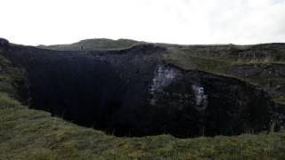 Bottomless Pit! Massive 100ft-Wide