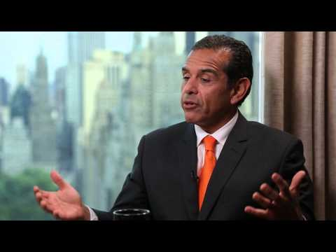 Spitzer and Weiners Second Coming According To Former LA Mayor Antonio Villaraigosa