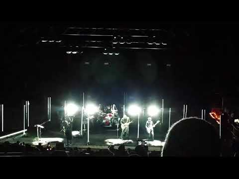 Queens of the Stone age - Avon (ending) - Red Rocks 10-10-17