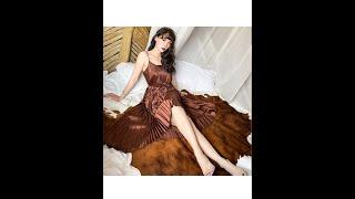Женское элегантное плиссированное платье без рукавов длинное коричневое макси на тонких бретелях