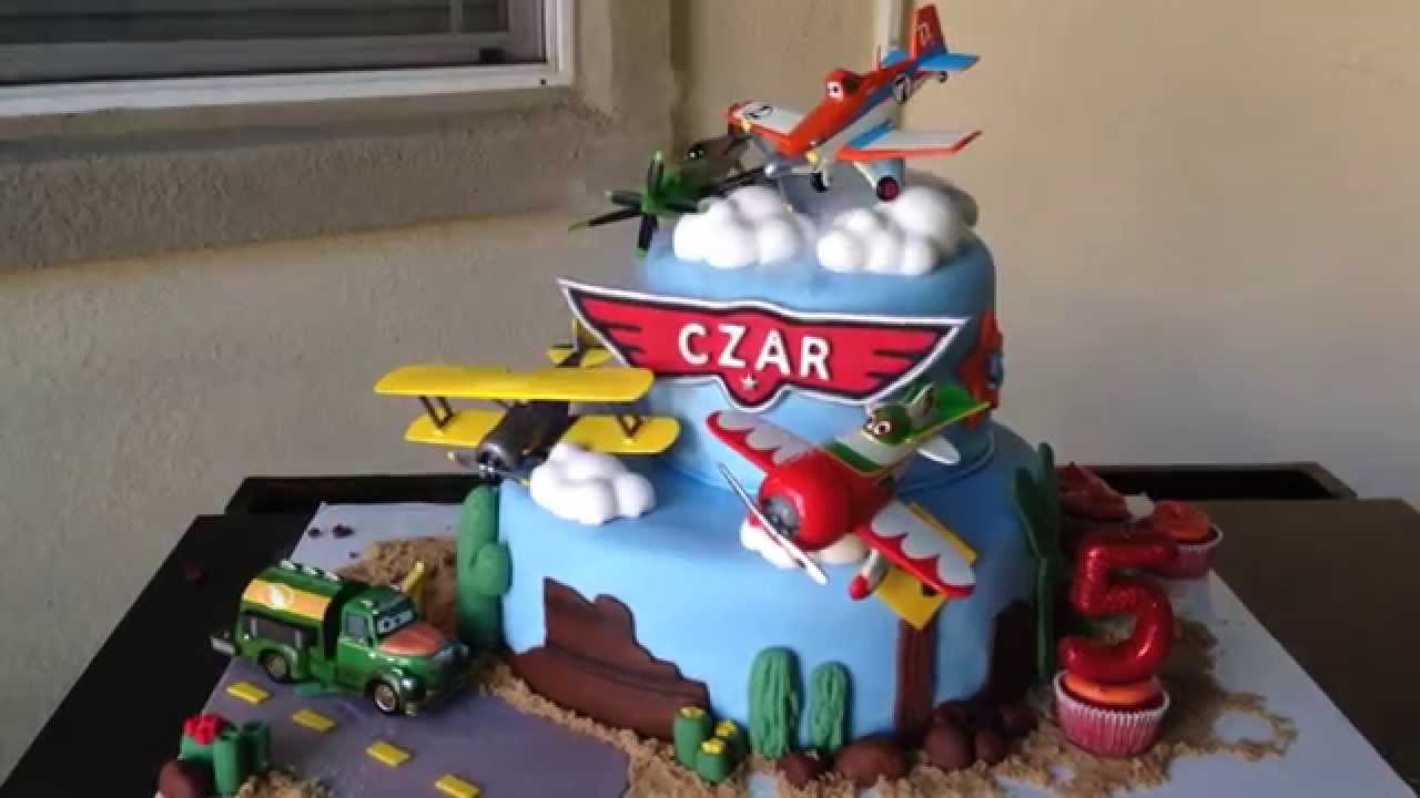 Disney planes cake with cloud effect dry ice cloud smoke for Airplane cake decoration