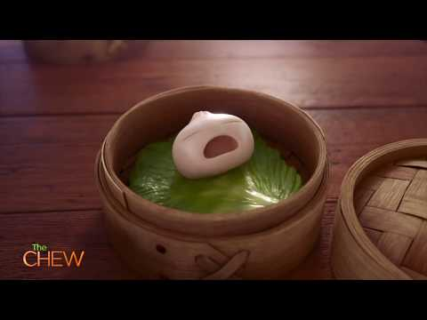 "Exclusive Look at Disney Pixar's Short Film ""Bao"""