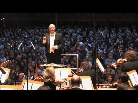 Tchaikovsky Nutcracker Suite - 4  'Trepak'  *  Volker Hartung & Cologne New Philharmonic Orchestra