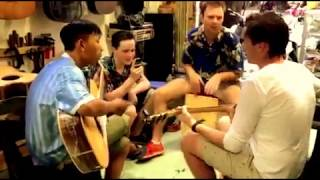 -Mua đàn guitar-Tây  test đàn Việt Nam- Kanarih Guitar.