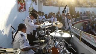 Alacranes Musical - Por Amarte Asi - en vivo.