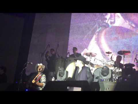 Las Mulas De Moreno - Julion Alvarez en vivo desde Austin, Texas