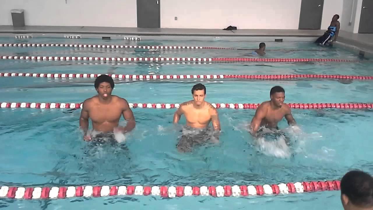 Pricetnsp Training Lee College Basketball Team In Pool Youtube