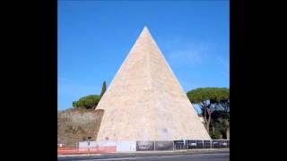 la Piramide Cestia torna come un tempo grazie al restauro finanziato da un Mecenate