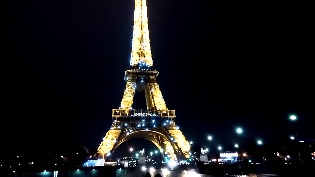 tour eiffel paris christmas 2015 2016 youtube. Black Bedroom Furniture Sets. Home Design Ideas
