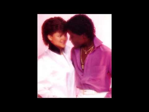 Stacy Lattisaw ft. Johnny Gill - Perfect Combination (1984)
