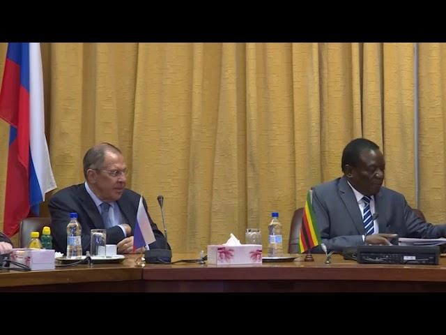 С Президентом Зимбабве Эммерсоном Мнангагвой.