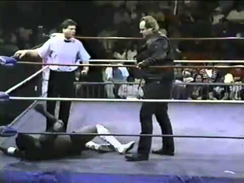 The Motor City Madman vs Dave Perry