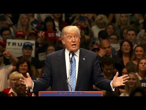 Trump shrugs off violent New Mexico protest