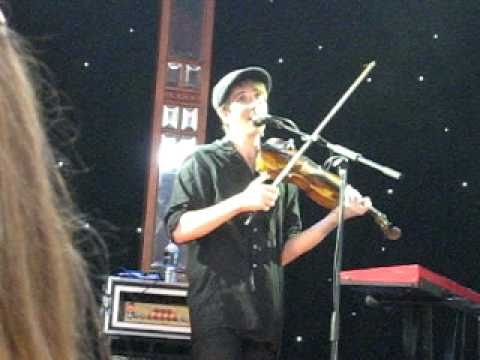 Owen Pallett - Cliquot (live in Sydney, 2011)