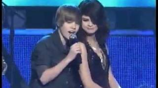 Repeat youtube video JUSTIN BIEBER SINGING TO SELENA GOMEZ ON STAGE!
