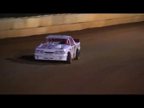 Alan's heat race 6.11.16 Moulton Speedway
