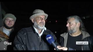وصول الحافلات التي تقل أهالي مضايا الى محافظة ادلب