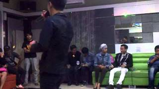 Video Ahmad Zylo - Cover Version ( Ungu- Cinta Gila ) download MP3, 3GP, MP4, WEBM, AVI, FLV Oktober 2017
