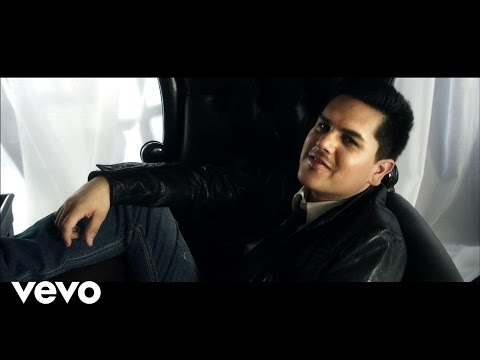 "Watch ""Regulo Caro - Voy a Pistearme el Dolor"" on YouTube"
