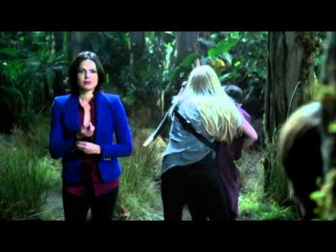 3x05 Regina pulls out the lost boys heart so they can get a meffage to Henry