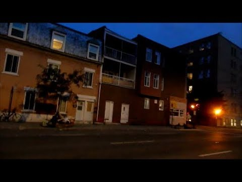 (LANGUAGE) WALKING DE MAISONEUVE BLVD EAST IN MONTREAL'S VILLE MARIE BOROUGH