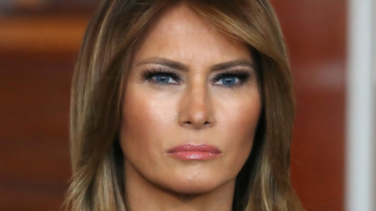 Download Melania Trump's Actions After Landing In Florida Is Turning Heads