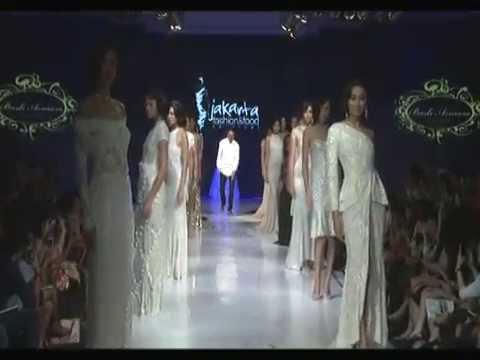 "[Live Recorded] ""La Belle et Febuleuse"" by Barli Asmara - Jakarta Fashion & Food Festival 2014"