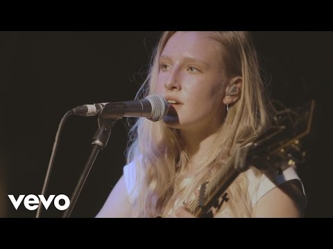 Billie Marten - Roots (Live at Blue...