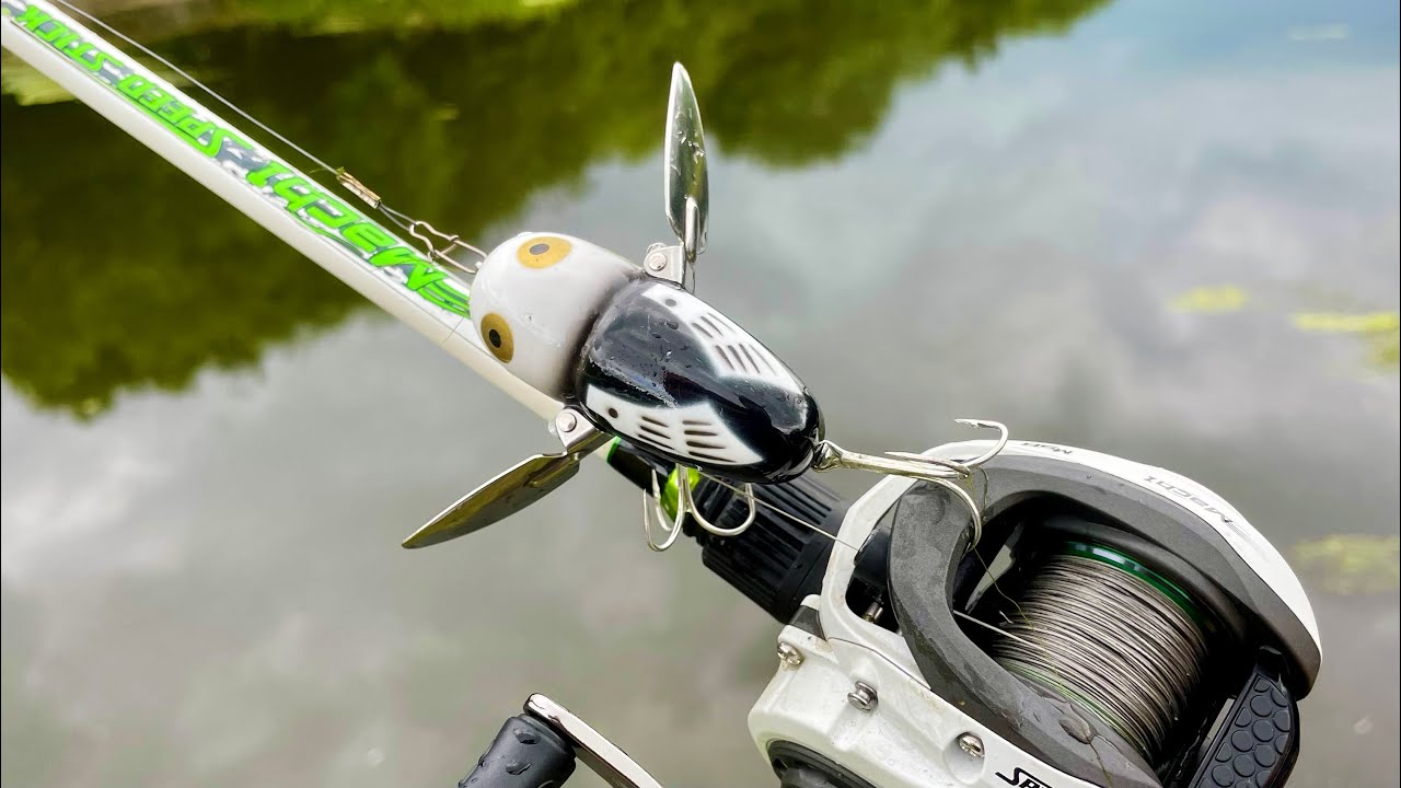 Topwater Pike Fishing with the Heddon Crazy Crawler!