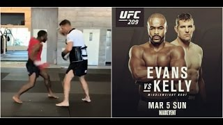 Rashad Evans training for Dan Kelly fight at UFC 209