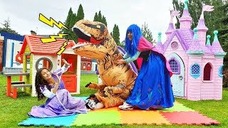 Фото Вредные принцессы играют с Динозавром   Игры для девочек   Мультики про принцесс
