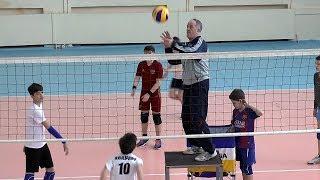 Детский волейбол. Обучение. Действия в защите.