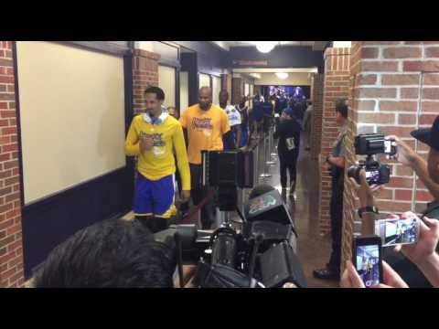 Warriors celebrate win in OKC Game 6