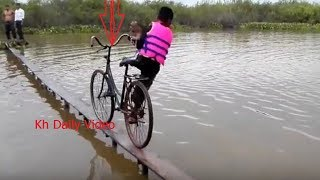 Best Bike Race Ever on Earth-Funny Video Ride Bike on Water-Amazing Ride Bike on Water in Cambodia.