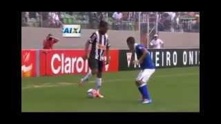 Ronaldinho Toco Y Me Voy - Bersuit