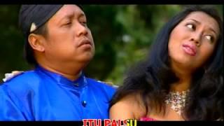 Download Video Campur sari Koplo **** Cinta Tak Terpisahkan - Safitri & Cak Diqin MP3 3GP MP4