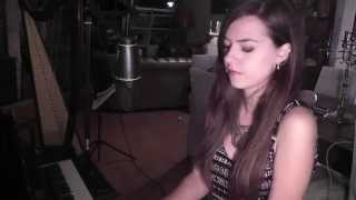Download Kings of leon-Closer piano & voice cover MP3 song and Music Video