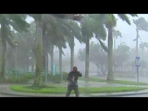 Powerful Hurricane Irma winds hitting Naples, Florida