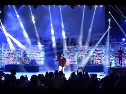 Kendji Girac excelle sur la scéne du Festival International de Carthage