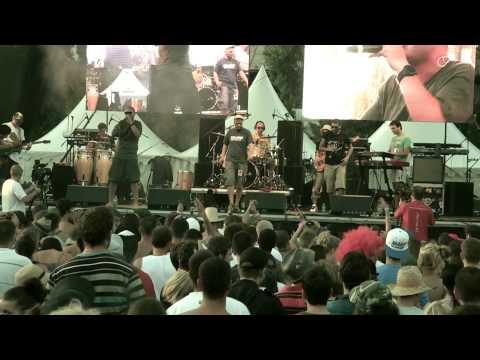 AMO feat. Polemic - Spolu (live Uprising festival 2011)
