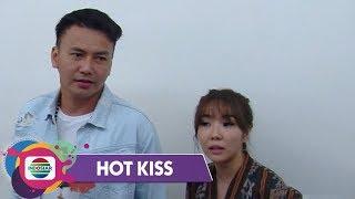 Gambar cover Hot Kiss - SETELAH BERCERAI, Gisel & Wijaya Saputra Semakin Mesra
