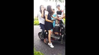 Video hài hước các thanh niên chặn đường trêu gái 2k2