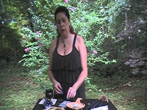 Intuitive Goddess - Cleansing with White Sage & Copal