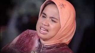 Halisa Amalia  - penyanyi asli film misteri indosiar